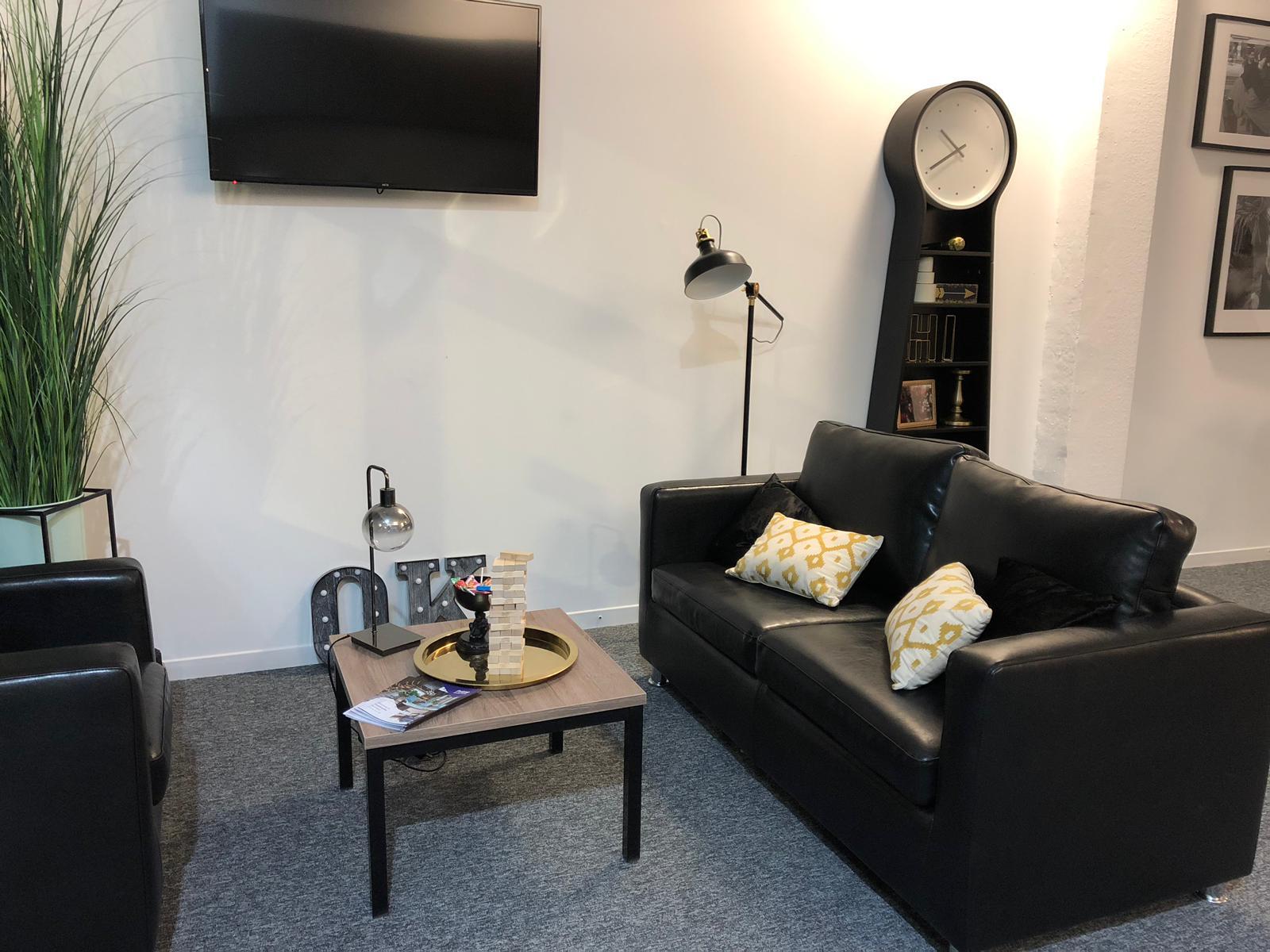 Coppergate showflat lounge1
