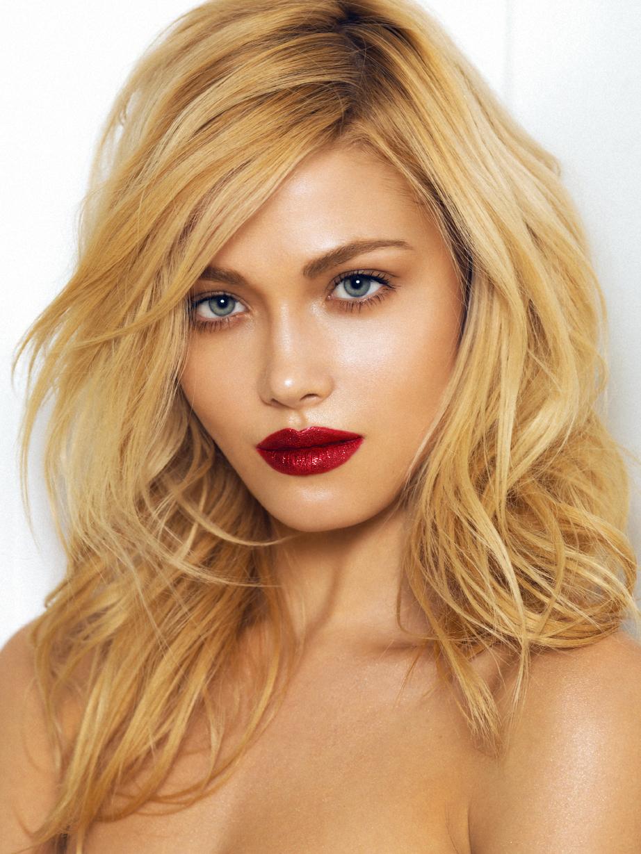 Glitter red lips