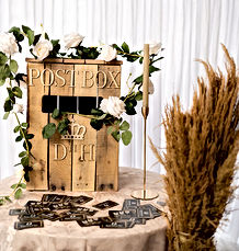 112-rustic-wooden-post-gift-cards-dream-