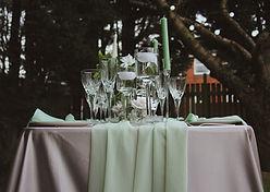 "<img src=""275-table-decorations.jpg"" alt=""table centrepieces decorations"">"