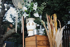 Great venue styling with flowers vase decorations