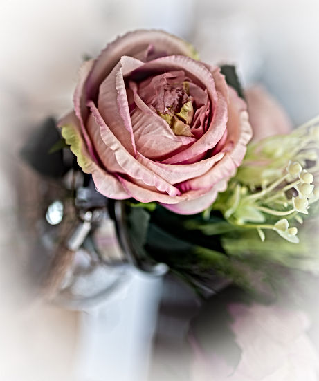 Flowers for your wedding and venue stylist decorations