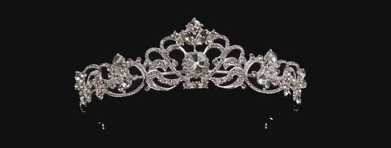 Lexi tiara in silver colour
