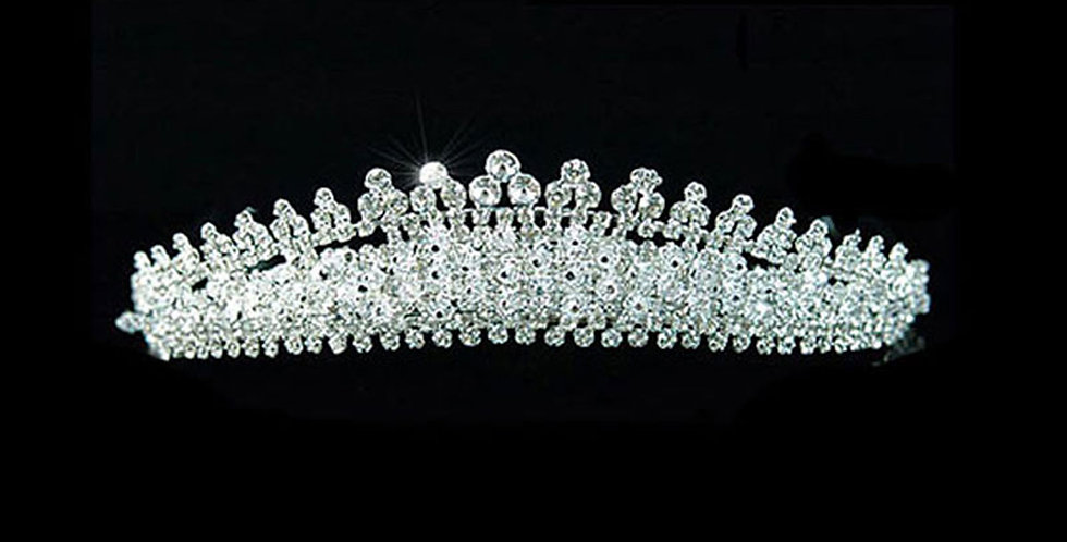 #diadèmesdemarriage #diadèmedemariée #Hochzeitsdiademe #BrautTiara  #tiaradenovia #tiaradeboda  #diadema nuziale #sposatiara