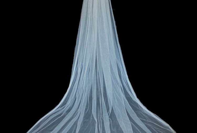 Liliana single tier wedding veil