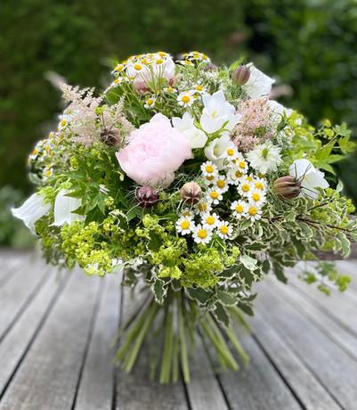 Blumenstrauss m. Pfingstrosen.jpg
