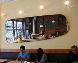 Cafe_tarantin_pendant_lights2