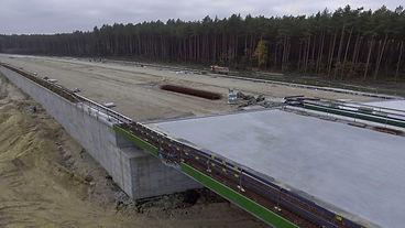 budowa z drona