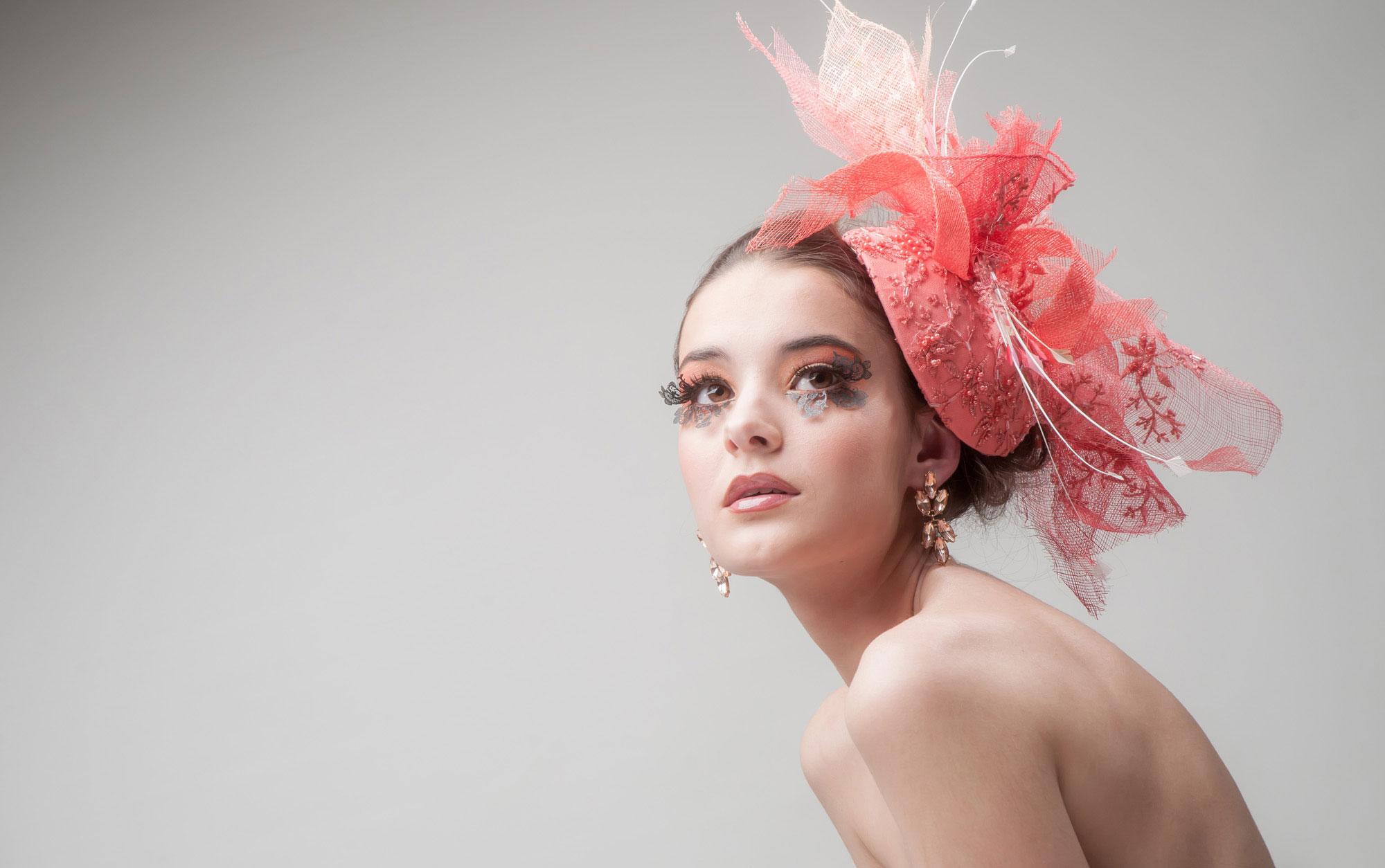 Make Up & Hat Alejandro Arias Bazan