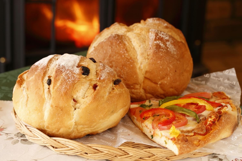薪窯パンとピザ