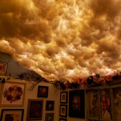 Vayo-Gallery-at-night.jpg