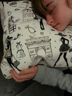 Dormir sur LE coussin fait avec amour