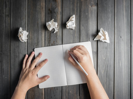 How to Craft a Query Letter That Hooks Publishing Agents