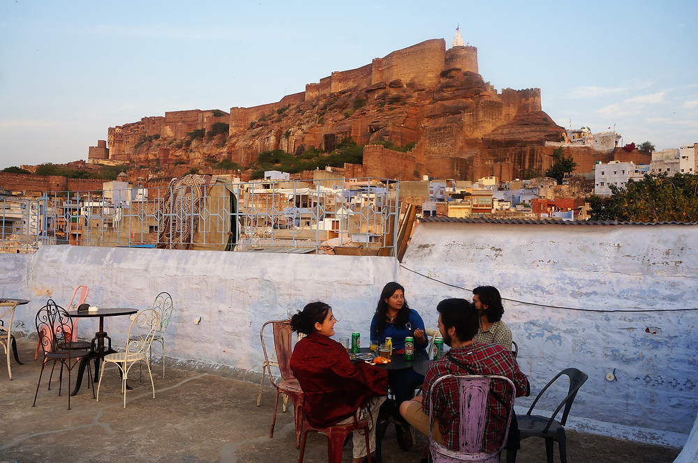 Evening drinks below the fort in Jodphur