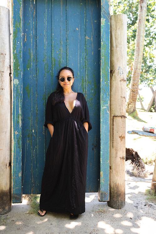 Vestido Longo Mangas Preto