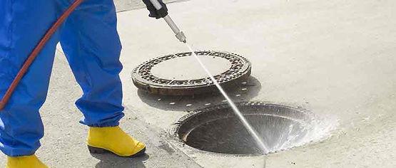 Desentupimento de esgoto hidrojateamento