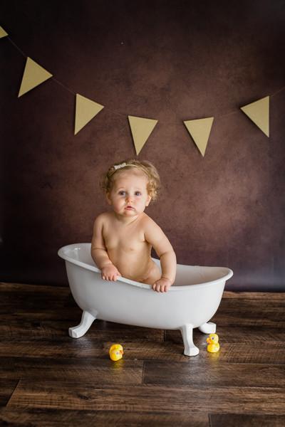 Photographe session bain bébé Dijon, Beaune