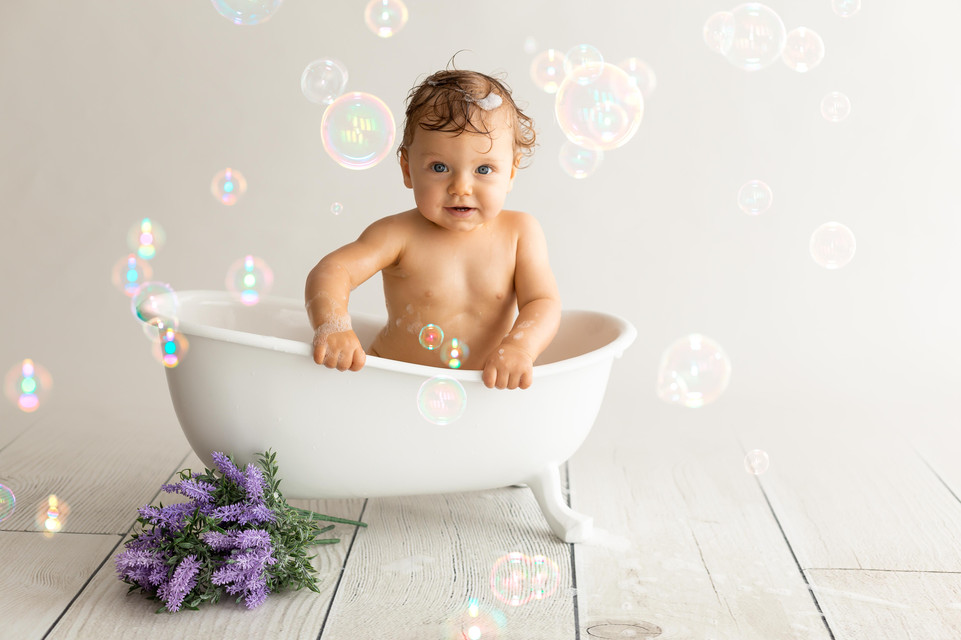 Séance photo bébé bain à Beaune- Dijon