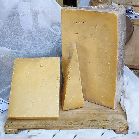 Quickes Extra Mature Cheddar - 250g