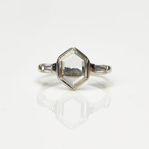 Madelyn Portrait ring