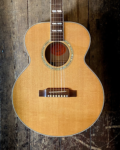 2006 Gibson J165 Acoustic in Natural finish