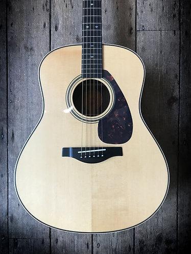 2013 Yamaha Custom Shop LL26 Acoustic in Natural finish