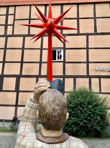 betonfiguren-alltagsmenschen-christel-lechner (70).webp