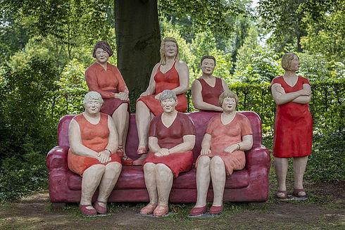 rotes-sofa-alltagsmenschen-lechner.jpg