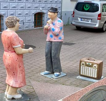betonfiguren-alltagsmenschen-christel-lechner (103).webp