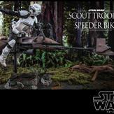 Hot-Toys-Scout-Trooper-and-Speeder-Bike-006.jpg