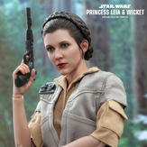 Hot-Toys-Leia-and-Wicket-06.jpg