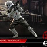 Hot-Toy-Assault-Tank-Commander-010.jpg