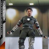 Hot-Toys-Tony-Stark-Mech-Test-DX-006.jpg