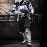 Hot-Toy-Assault-Tank-Commander-008.jpg