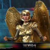 Hot-Toys-Wonder-Woman-84-Golden-Armor-00