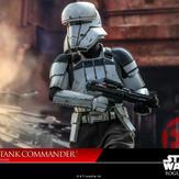 Hot-Toy-Assault-Tank-Commander-011.jpg