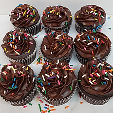 9 Pack - Traditional Size Cupcakes