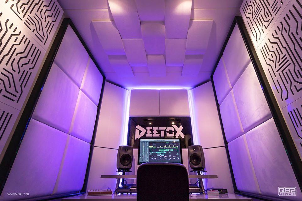 Studio_Deetox_Q82 Acoustic.jpg