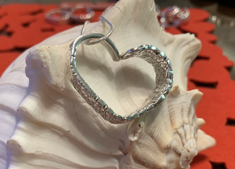Thumbnail: Precious Flower/Love Pendant