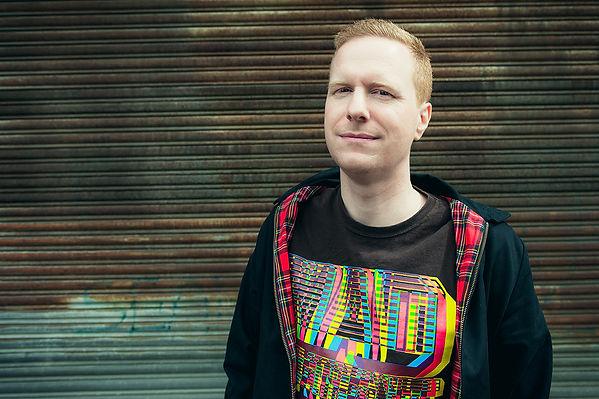 DJ Morf, Stephen Hollands