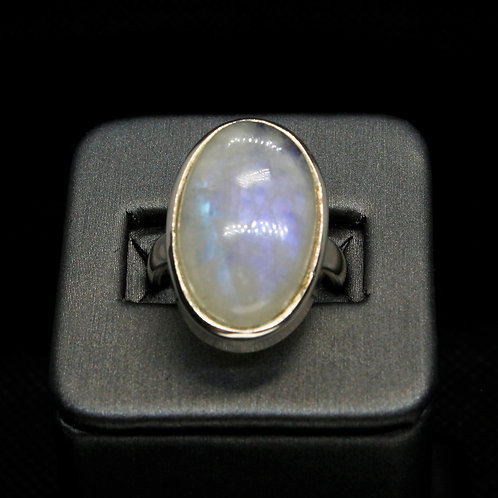 Sterling Silver Moonstone Ring (Oval)
