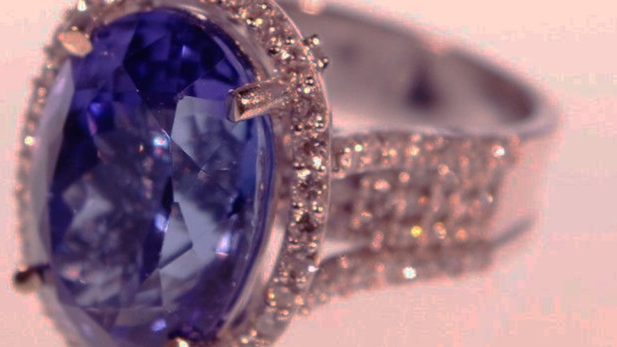 11 Ct Tanzanite & Diamond Cocktail RIng