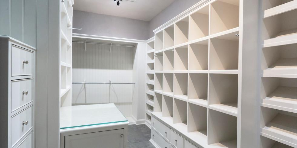 Closet 1 (2).jpg
