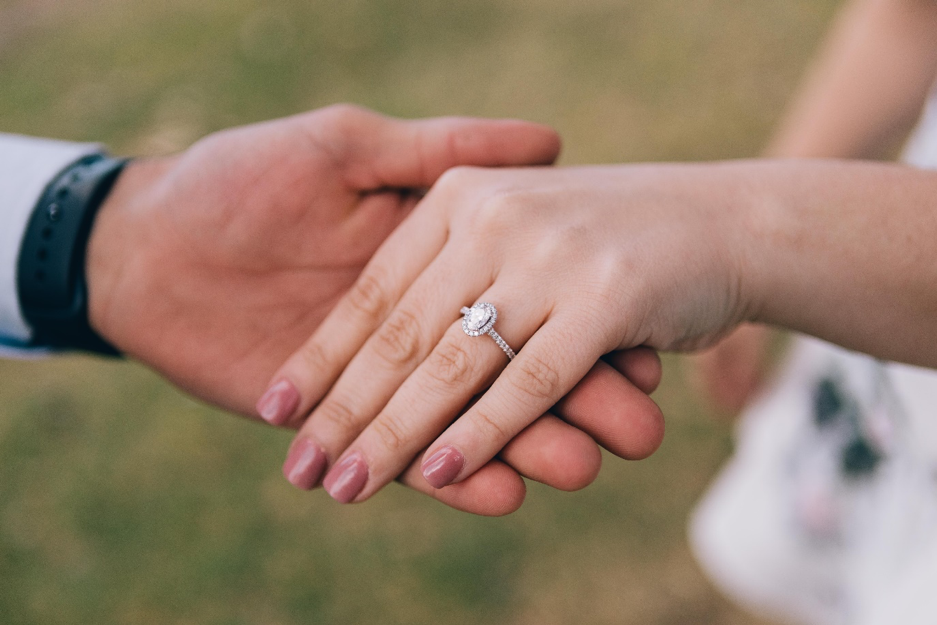 beautiful engagement ring inspired by the recent influx of Royal Weddings