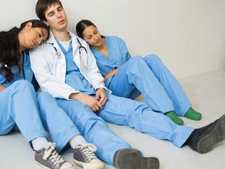 Descanso, Falta e Atraso no Plantão Médico e Residência Médica