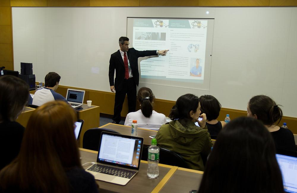 Ricardo Stival - Advogado de Direito Médico