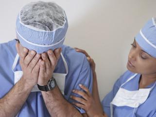 Erro Médico na cirurgia plástica, o que o médico e paciente devem fazer?