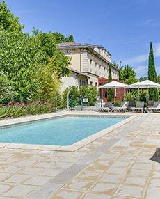 Côté-piscine.jpg