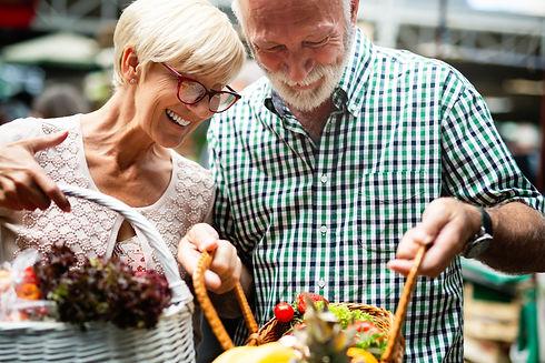 Portrait-of-beautiful-elderly-couple-in-