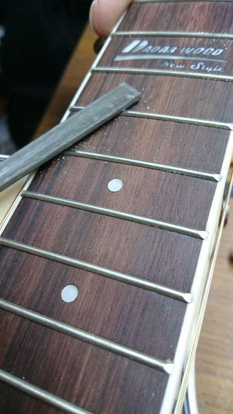 木吉他指板整平
